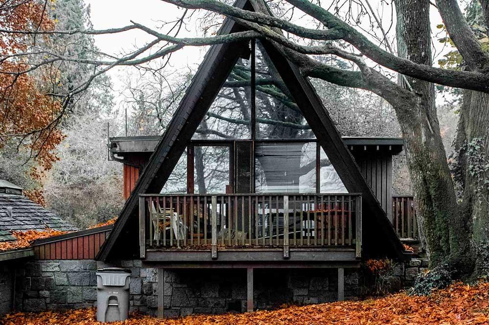 خانه باغ چوبی