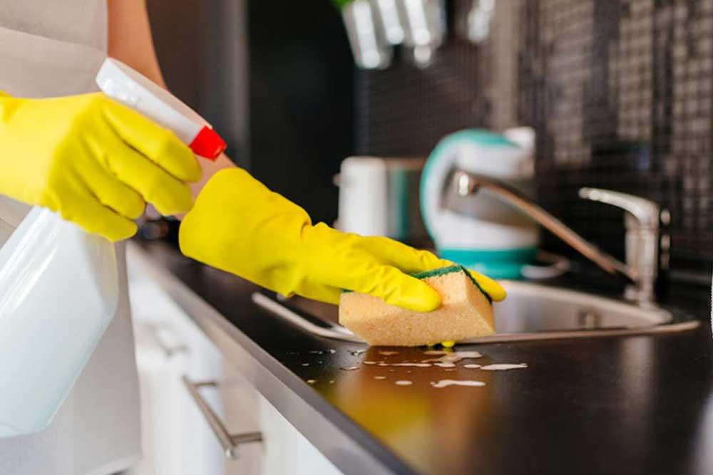 نظافت آشپزخانه ویلا از ویروس کرونا